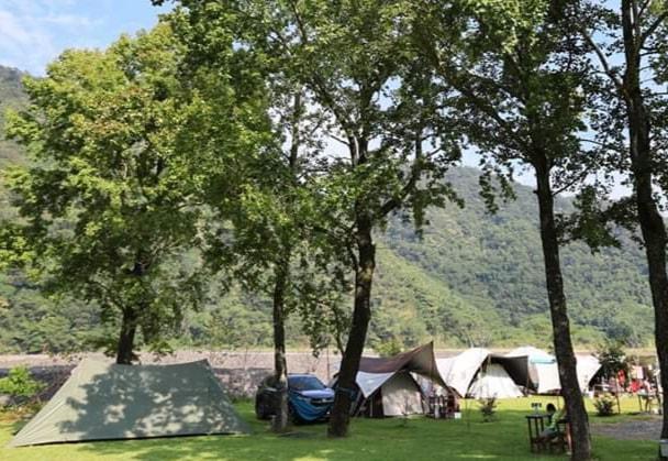 曲冰嫚遊露營區